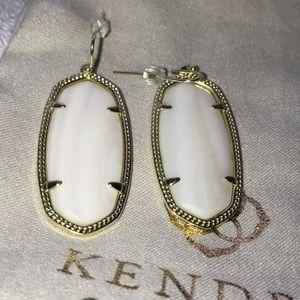 Kendra Scott Elle earrings in mother of pearl